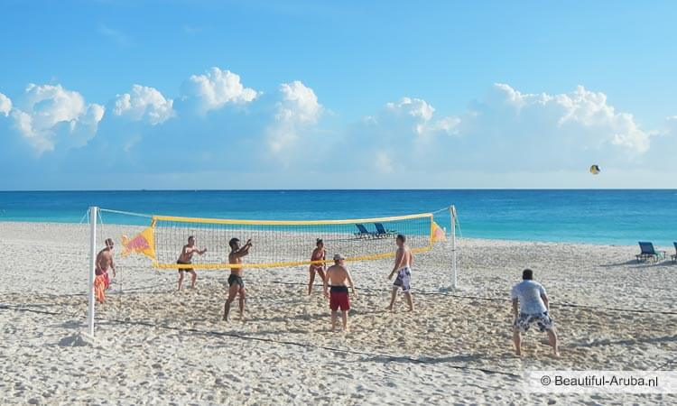 Beach volleyball op Aruba